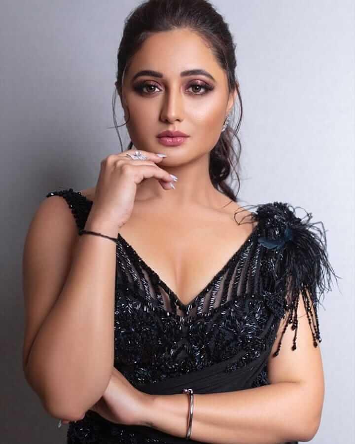 Rashami Desai Bio Wiki